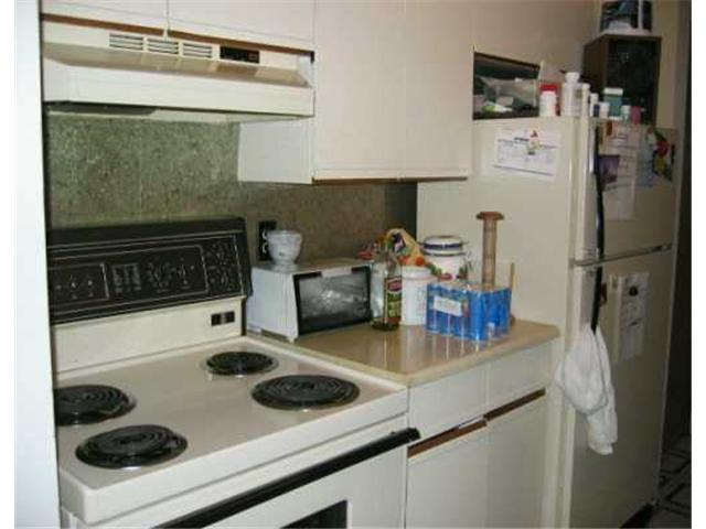 Photo 4: 173 WATSON Street in WINNIPEG: Maples / Tyndall Park Condominium for sale (North West Winnipeg)  : MLS® # 2507542