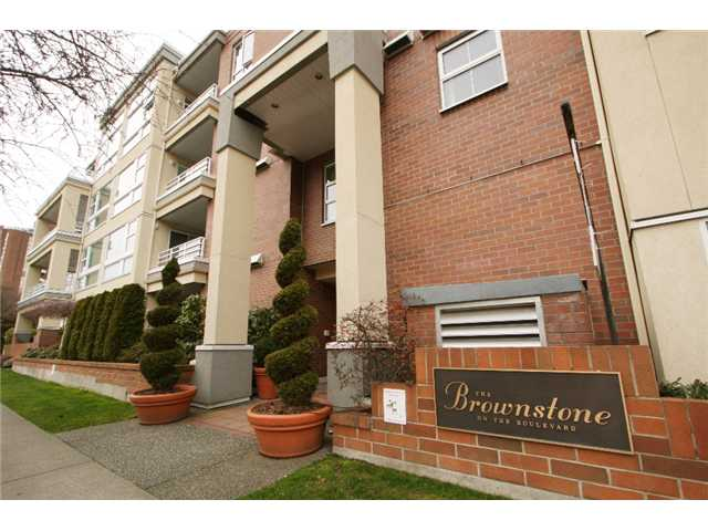 Main Photo: 207 2105 W 42ND Avenue in Vancouver: Kerrisdale Condo for sale (Vancouver West)  : MLS® # V868443