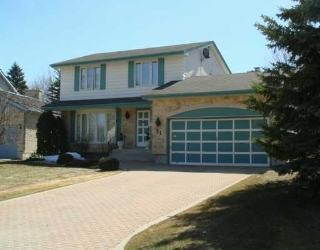 Main Photo: 31 KILMARNOCK Bay in WINNIPEG: St Vital Single Family Detached for sale (South East Winnipeg)  : MLS® # 2705907
