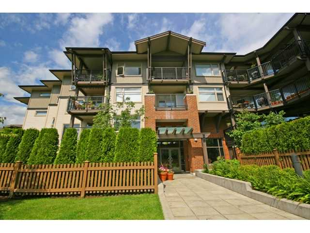 "Main Photo: 413 400 KLAHANIE Drive in Port Moody: Port Moody Centre Condo for sale in ""TIDES AT KLAHANIE"" : MLS® # V842063"