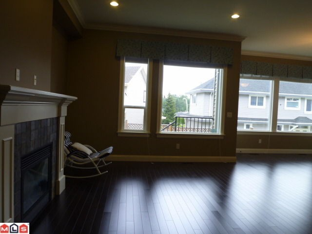 Photo 6: 1652 KING GEORGE Boulevard in Surrey: King George Corridor House 1/2 Duplex for sale (South Surrey White Rock)  : MLS(r) # F1021896