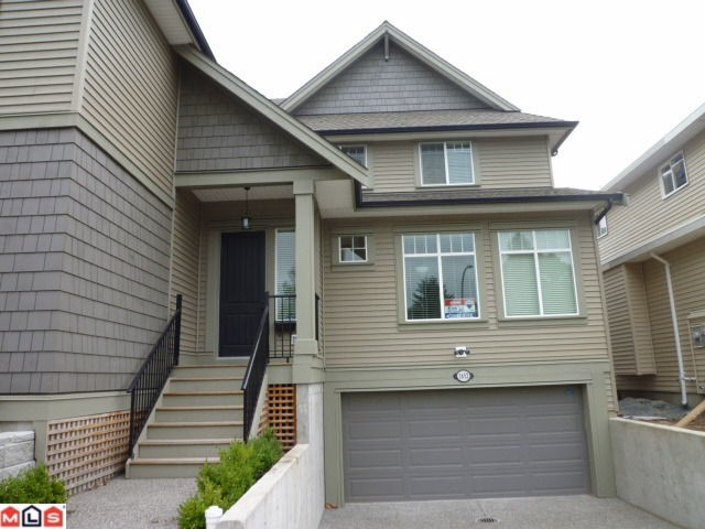 Main Photo: 1652 KING GEORGE Boulevard in Surrey: King George Corridor House 1/2 Duplex for sale (South Surrey White Rock)  : MLS(r) # F1021896