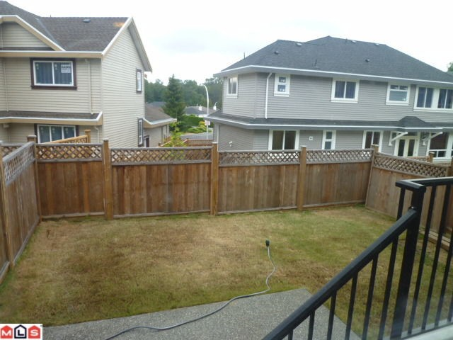 Photo 9: 1652 KING GEORGE Boulevard in Surrey: King George Corridor House 1/2 Duplex for sale (South Surrey White Rock)  : MLS(r) # F1021896