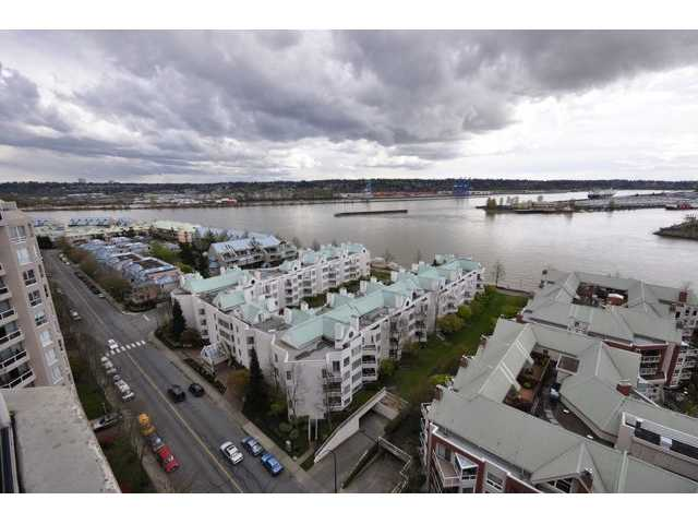 "Main Photo: 1806 1235 QUAYSIDE Drive in New Westminster: Quay Condo for sale in ""THE RIVERA"" : MLS(r) # V822108"