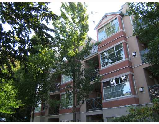"Main Photo: 106 2388 TRIUMPH Street in Vancouver: Hastings Condo for sale in ""ROYAL ALEXANDRIA"" (Vancouver East)  : MLS® # V734998"