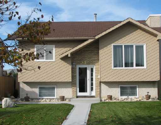 Main Photo: 43 QUILL Bay in WINNIPEG: Maples / Tyndall Park Residential for sale (North West Winnipeg)  : MLS® # 2818566