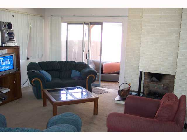 Photo 4: SAN DIEGO House for sale : 4 bedrooms : 4465 Arendo