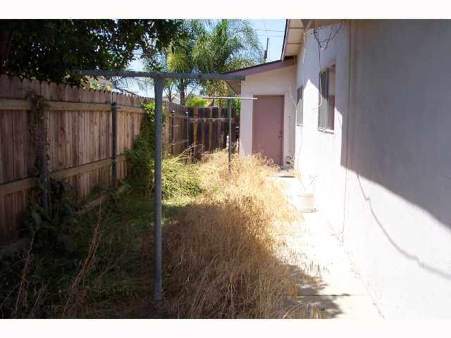 Photo 6: SAN DIEGO House for sale : 4 bedrooms : 4465 Arendo