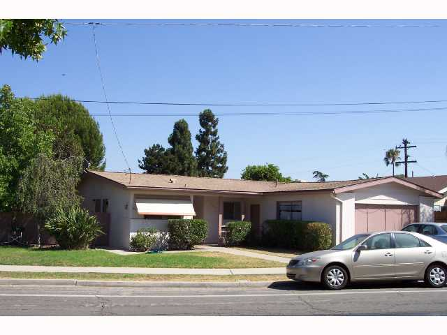 Main Photo: SAN DIEGO House for sale : 4 bedrooms : 4465 Arendo