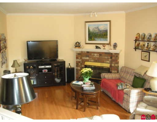 "Photo 5: 18567 60A Avenue in Surrey: Cloverdale BC House for sale in ""Eaglecrest"" (Cloverdale)  : MLS(r) # F2919005"