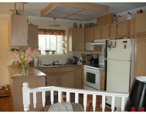 "Photo 4: 18567 60A Avenue in Surrey: Cloverdale BC House for sale in ""Eaglecrest"" (Cloverdale)  : MLS(r) # F2919005"