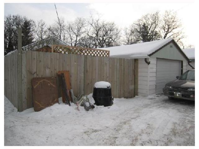 Photo 10: 540 HARROW Street in WINNIPEG: Fort Rouge / Crescentwood / Riverview Residential for sale (South Winnipeg)  : MLS(r) # 2801314