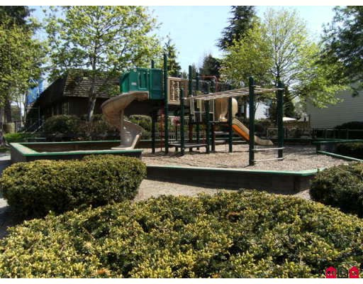 "Photo 9: 207 7473 140TH Street in Surrey: East Newton Condo for sale in ""GLENCOE ESTATES"" : MLS(r) # F2909668"