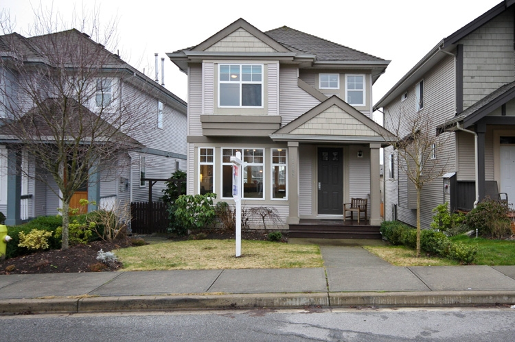 "Main Photo: 14862 56B Avenue in Surrey: Sullivan Station House for sale in ""PANORAMA VILLAGE"" : MLS® # F1002522"