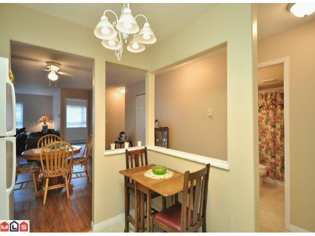 "Photo 8: 108 20189 54TH Avenue in Langley: Langley City Condo for sale in ""Catalina Gardens"" : MLS(r) # F1025178"