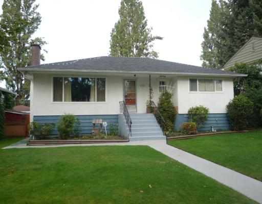 Main Photo: 3221 GARDEN Drive in Vancouver: Grandview VE House for sale (Vancouver East)  : MLS®# V787921