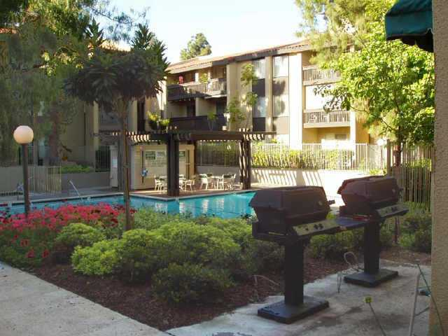 Photo 3: PACIFIC BEACH Condo for sale : 1 bedrooms : 1855 Diamond #5-228