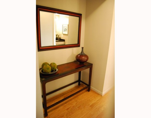"Photo 8: 404 1688 CYPRESS Street in Vancouver: Kitsilano Condo for sale in ""YORKVILLE SOUTH"" (Vancouver West)  : MLS(r) # V797521"