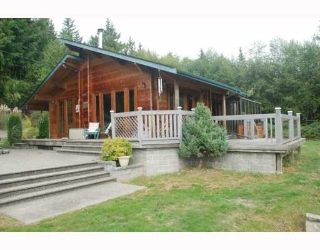 Main Photo: 980 JOE Road in Roberts_Creek: Roberts Creek House for sale (Sunshine Coast)  : MLS® # V749561