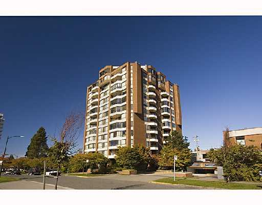 "Main Photo: 702 2189 W 42ND Avenue in Vancouver: Kerrisdale Condo for sale in ""GOVERNOR POINT"" (Vancouver West)  : MLS® # V737967"