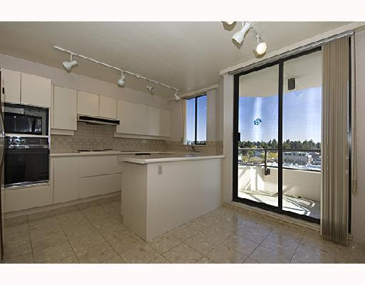 "Photo 2: 702 2189 W 42ND Avenue in Vancouver: Kerrisdale Condo for sale in ""GOVERNOR POINT"" (Vancouver West)  : MLS® # V737967"