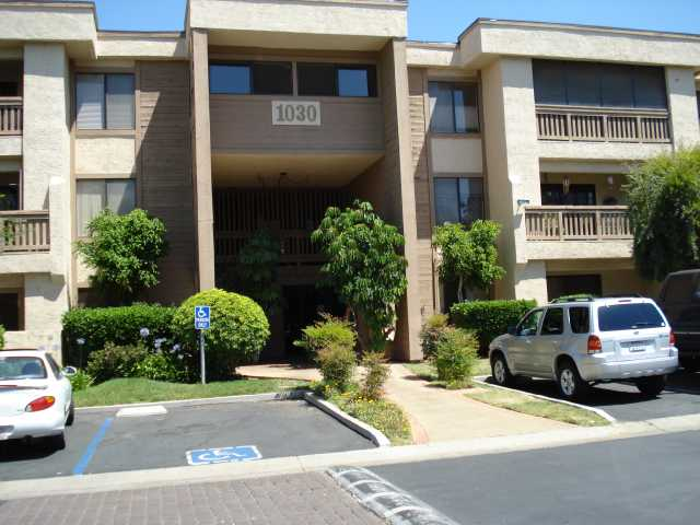 Main Photo: EAST ESCONDIDO Condo for sale : 2 bedrooms : 1030 East Washington Avenue #123 in Escondido