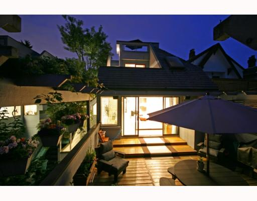 Main Photo: 3153 W 3RD Avenue in Vancouver: Kitsilano House 1/2 Duplex for sale (Vancouver West)  : MLS® # V771650