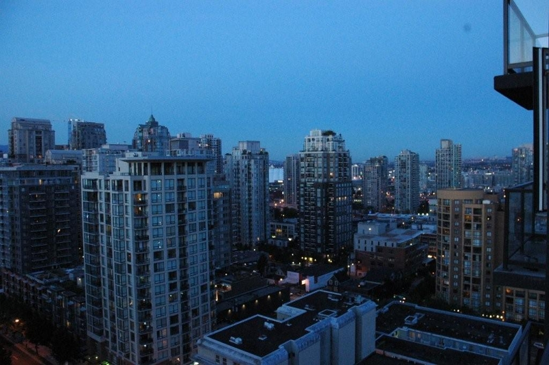 "Photo 12: 2002 1155 SEYMOUR Street in Vancouver: Downtown VW Condo for sale in ""BRAVA"" (Vancouver West)  : MLS(r) # V775700"