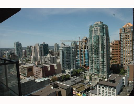 "Photo 10: 2002 1155 SEYMOUR Street in Vancouver: Downtown VW Condo for sale in ""BRAVA"" (Vancouver West)  : MLS(r) # V775700"