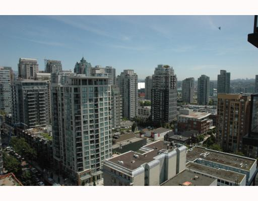 "Photo 8: 2002 1155 SEYMOUR Street in Vancouver: Downtown VW Condo for sale in ""BRAVA"" (Vancouver West)  : MLS(r) # V775700"