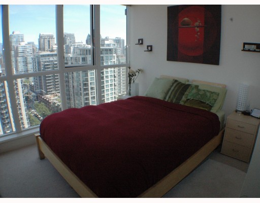 "Photo 5: 2002 1155 SEYMOUR Street in Vancouver: Downtown VW Condo for sale in ""BRAVA"" (Vancouver West)  : MLS(r) # V775700"