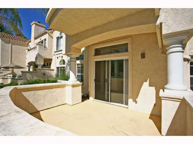 Main Photo: TIERRASANTA Condo for sale : 2 bedrooms : 11022 Portobelo in San Diego