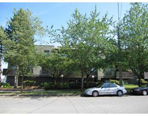 "Main Photo: 206 1202 LONDON Street in New_Westminster: West End NW Condo for sale in ""LONDON PLACE"" (New Westminster)  : MLS® # V775819"