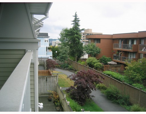 "Photo 10: 25 222 10TH Street in New_Westminster: Uptown NW Townhouse for sale in ""COBBLESTONE WALK"" (New Westminster)  : MLS® # V777506"