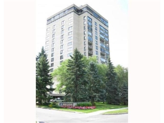 Main Photo: 200 TUXEDO Avenue in WINNIPEG: River Heights / Tuxedo / Linden Woods Condominium for sale (South Winnipeg)  : MLS(r) # 1012248