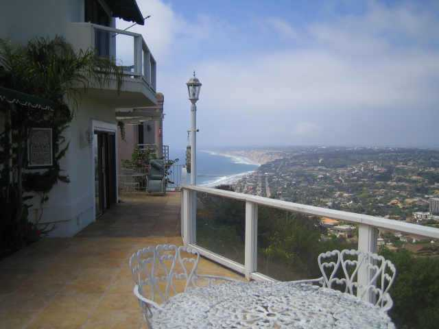 Main Photo: LA JOLLA Residential Rental for rent : 3 bedrooms : 7375 Caminito Bassano