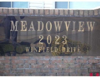 "Main Photo: 1 2023 WINFIELD Drive in Abbotsford: Abbotsford East Townhouse for sale in ""MEADOWVIEW ESTATES"" : MLS® # F2906391"