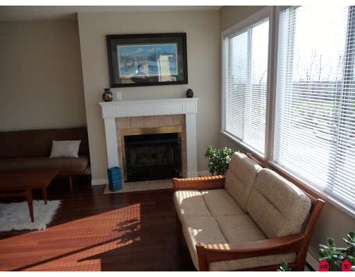 "Photo 4: 215 1280 FIR Street in White_Rock: White Rock Condo for sale in ""OCEANA VILLA"" (South Surrey White Rock)  : MLS® # F2907451"