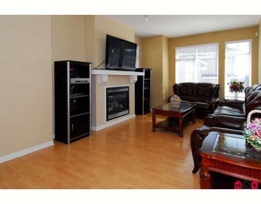 Photo 2: 4 15068 58TH Avenue in Surrey: Sullivan Station Townhouse for sale : MLS(r) # F2916129