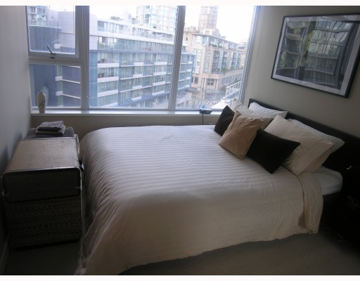 Photo 4: 906 688 ABBOTT Street in Vancouver: Downtown VW Condo for sale (Vancouver West)  : MLS® # V788314