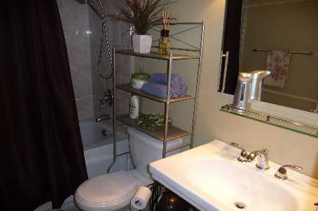 Photo 5: 06 135 Antibes Drive in Toronto: Condo for sale (C07: TORONTO)  : MLS(r) # C1657967
