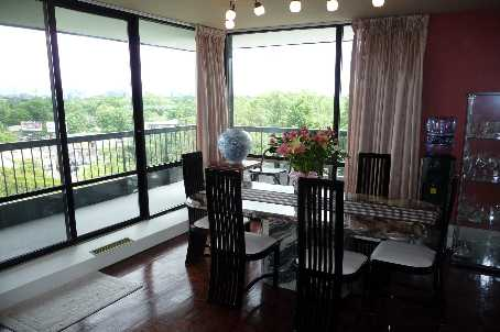 Photo 3: 06 135 Antibes Drive in Toronto: Condo for sale (C07: TORONTO)  : MLS(r) # C1657967