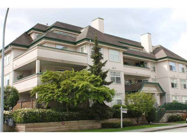 "Main Photo: 104 1618 GRANT Avenue in Port Coquitlam: Glenwood PQ Condo for sale in ""WEDGEWOOD MANOR"" : MLS(r) # V826640"