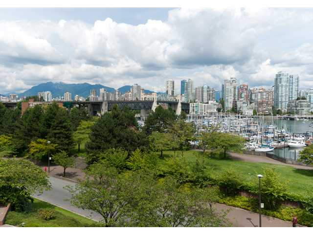 "Main Photo: 304 1490 PENNYFARTHING Drive in Vancouver: False Creek Condo for sale in ""HARBOUR COVE"" (Vancouver West)  : MLS® # V839752"