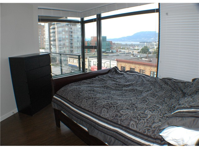 "Photo 6: 607 1068 W BROADWAY in Vancouver: Fairview VW Condo for sale in ""THE ZONE"" (Vancouver West)  : MLS® # V851960"