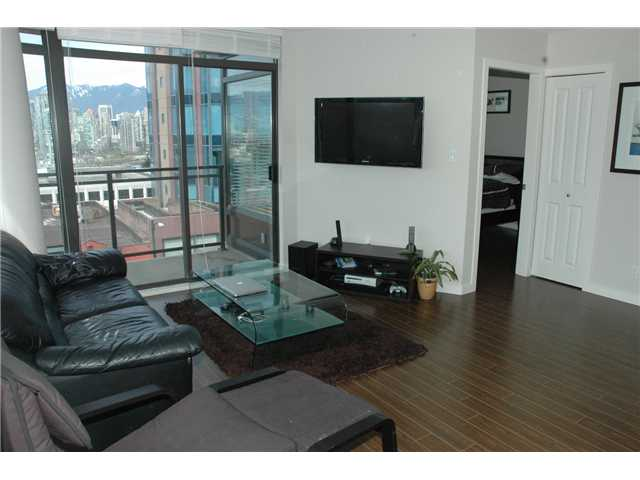 "Photo 4: 607 1068 W BROADWAY in Vancouver: Fairview VW Condo for sale in ""THE ZONE"" (Vancouver West)  : MLS(r) # V851960"