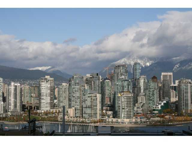 "Main Photo: 607 1068 W BROADWAY in Vancouver: Fairview VW Condo for sale in ""THE ZONE"" (Vancouver West)  : MLS(r) # V851960"