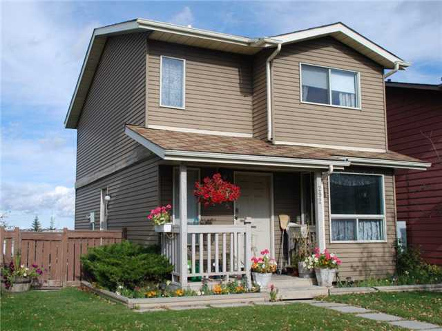 Main Photo: 292 BERWICK Drive NW in CALGARY: Beddington House for sale (Calgary)  : MLS(r) # C3452011