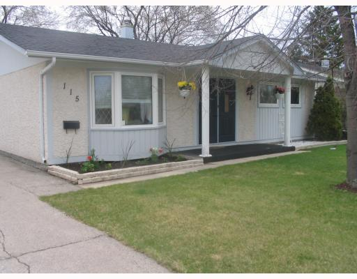 Main Photo: 115 PEMBRIDGE Bay in WINNIPEG: St Vital Residential for sale (South East Winnipeg)  : MLS(r) # 2918052