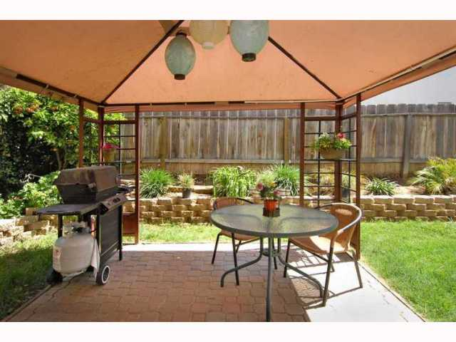 Photo 8: EL CAJON House for sale : 3 bedrooms : 1010 LILLIAN LANE